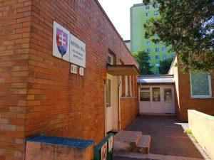 Hlavný vchod do škôlky